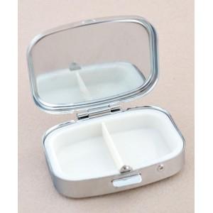 Сувенирна кутийка за хапчета с две отделения.