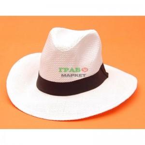 Плетена шапка с черна лента
