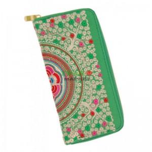 Текстилно портмоне с цветна бродерия