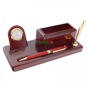 Луксозен комплект за бюро, изработен от дърво